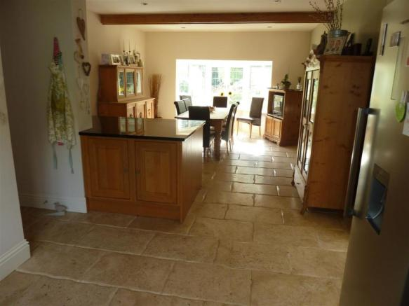 KITCHEN-DINING ROOM EXTRA PHOTO
