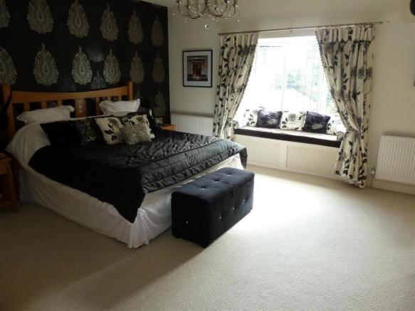MASTER BEDROOM + ENSUITE EXTRA PHOTO