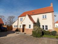 Detached property in Golf Course Lane...
