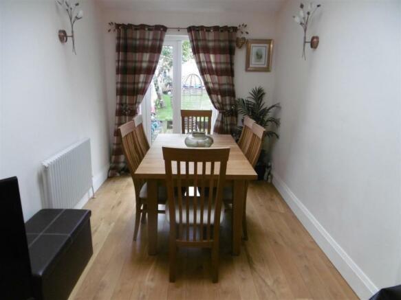 SITTING ROOM/ DINING