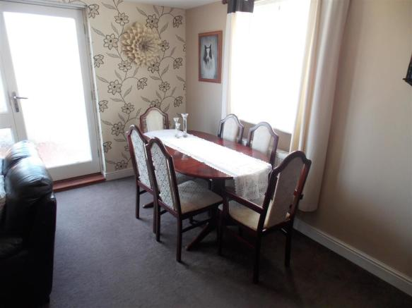 LOUNGE/DINER ANOTHER VIEW
