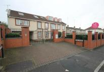 2 bed Ground Flat in Ducie Court, Ducie Road...