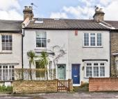 3 bed property in Sandycombe Road, Kew, TW9