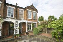 2 bedroom Maisonette for sale in North Avenue, Kew, TW9