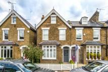 3 bed property in Gloucester Road, Kew, TW9