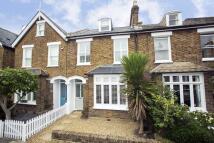 3 bedroom property in Gloucester Road, Kew, TW9