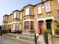 2 bed Ground Flat to rent in Pulteney Road...