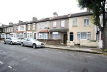 Terraced property to rent in Holbrook Road, Stratford...