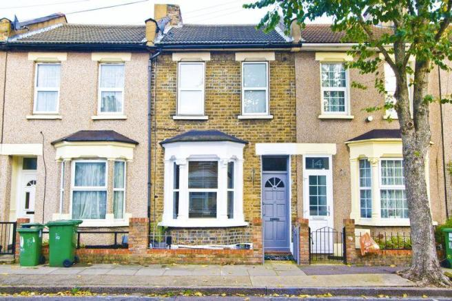 2 Bedroom House To Rent In Stratford 2 Bedroom Terraced House To Rent In Holness Road