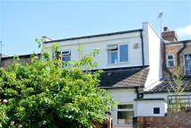 3 bedroom Flat to rent in High Street, Shepperton...