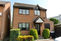 house to rent in Byron Road, Addlestone...