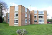 Flat to rent in Heathside, Hanger Hill...
