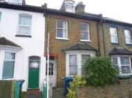 Flat to rent in Stanley Road...