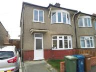 3 bedroom house in Rosslyn Crescent...
