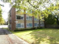 2 bedroom Flat to rent in Roxborough Avenue, HARROW