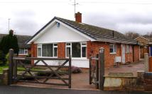 Detached Bungalow to rent in Beacon Park Crescent...