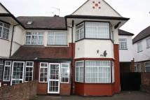 4 bed semi detached property to rent in Mount Pleasant, London