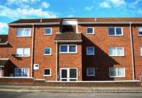 Flat to rent in Bridge Road, Grays, Essex