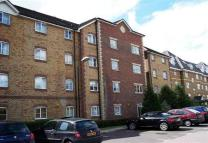 2 bed Ground Flat to rent in Purfleet, Essex