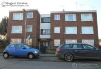 2 bedroom Flat in Lenthal Avenue, Grays...