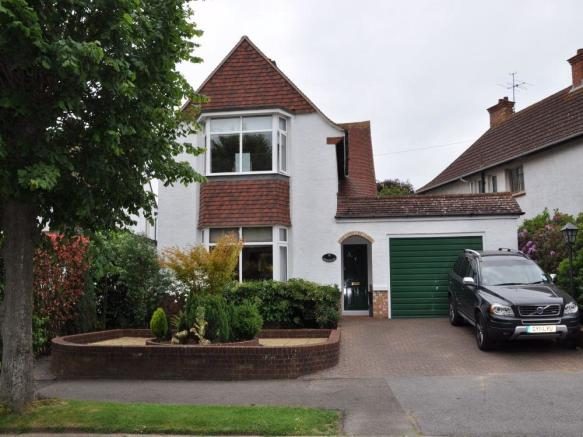 4 Bedroom Detached House For Sale In Cranston Avenue