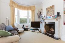 Flat to rent in Roseneath Road, SW11