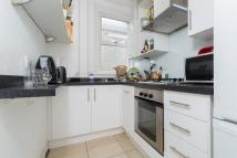 Flat to rent in Latchmere Road, SW11