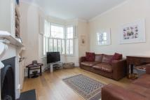 Link Detached House to rent in Hydethorpe Road, SW12