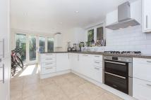 4 bed Terraced property to rent in Parma Crescent, SW11