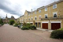 4 bed End of Terrace home to rent in Stott Close, SW18