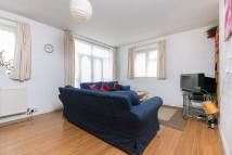 Flat to rent in Spencer Park, SW18