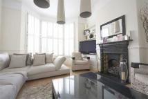 3 bedroom Terraced house in Nottingham Road, SW17
