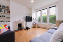 Flat to rent in Lynn Road, SW12