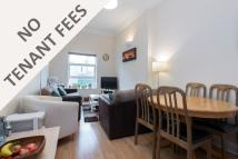 Flat to rent in Battersea Rise, SW11