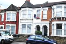 Flat to rent in Wightman Road, London, N8