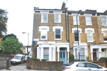 Flat to rent in Stradbroke Road, London...