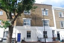 Flat to rent in Richmond Avenue, London...