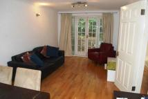 Flat to rent in Wallace Road, London, N1