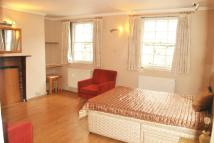 Studio flat to rent in Thornhill Road, London...