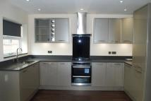 2 bedroom Apartment to rent in Grove Close, Avenue Road...