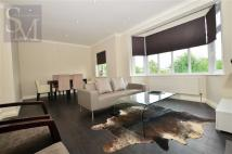 Flat to rent in Rectory Court, Loughton...