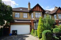 6 bedroom property to rent in The Drive, Loughton...