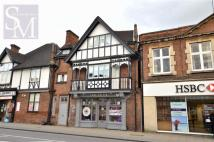Flat to rent in High Road, Loughton...