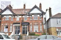 2 bedroom Flat to rent in Connaught Avenue...