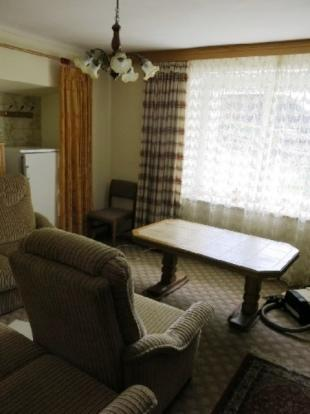 No 53 livingroom