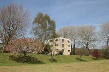 2 bedroom Flat to rent in Grosvenor Bridge Road...