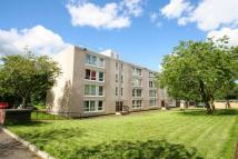 3 bed Flat in 3 Bed Unfurn. HEATING...