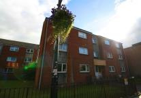 Flat to rent in Main St, Rutherglen...