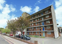4 bed Maisonette in Bruce Road, London, E3