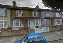 4 bedroom Terraced house in Lonsdale Avenue, London...